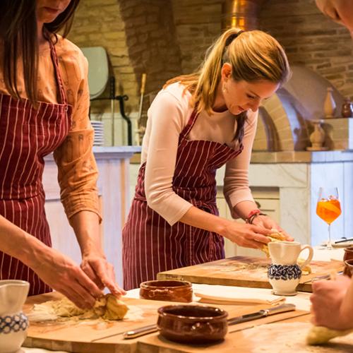 Team Building Ateliers Découverte Cuisine à Lille Paris Lyon soirée entreprise organisation